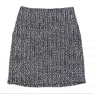 Ann Taylor sz 2 navy/white tweed skirt